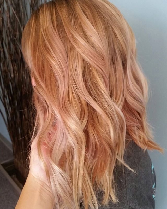 Erdbeere Blonde Highlights
