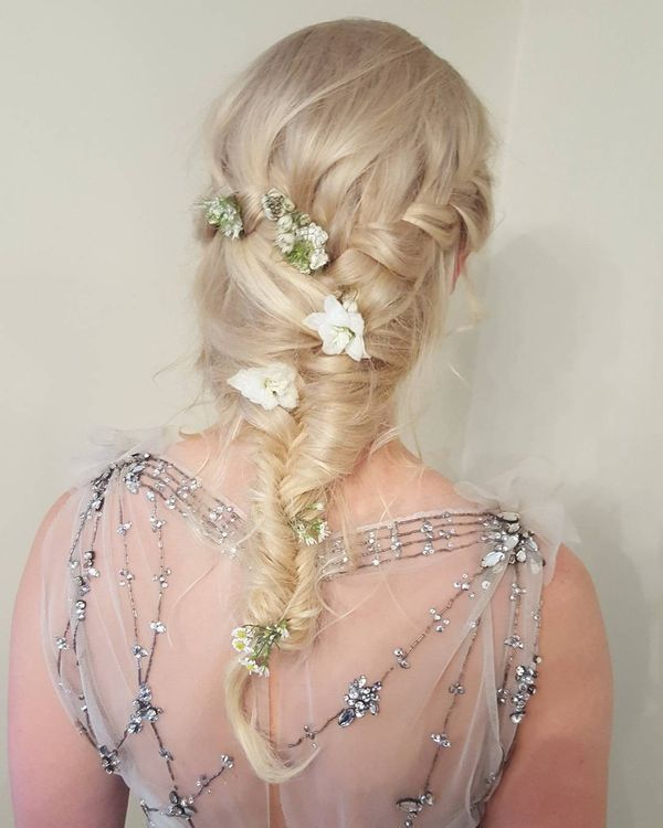 Waterfall Braid Floralfrisur