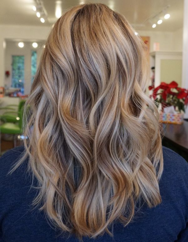 Dunkelblonde Highlights