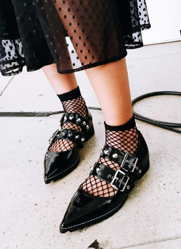 This-is-How-Sheer-Socken- are-Becoming-a-Trend