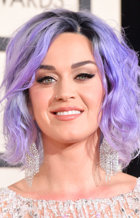 Katy Perry Lavendelfarbe lockig