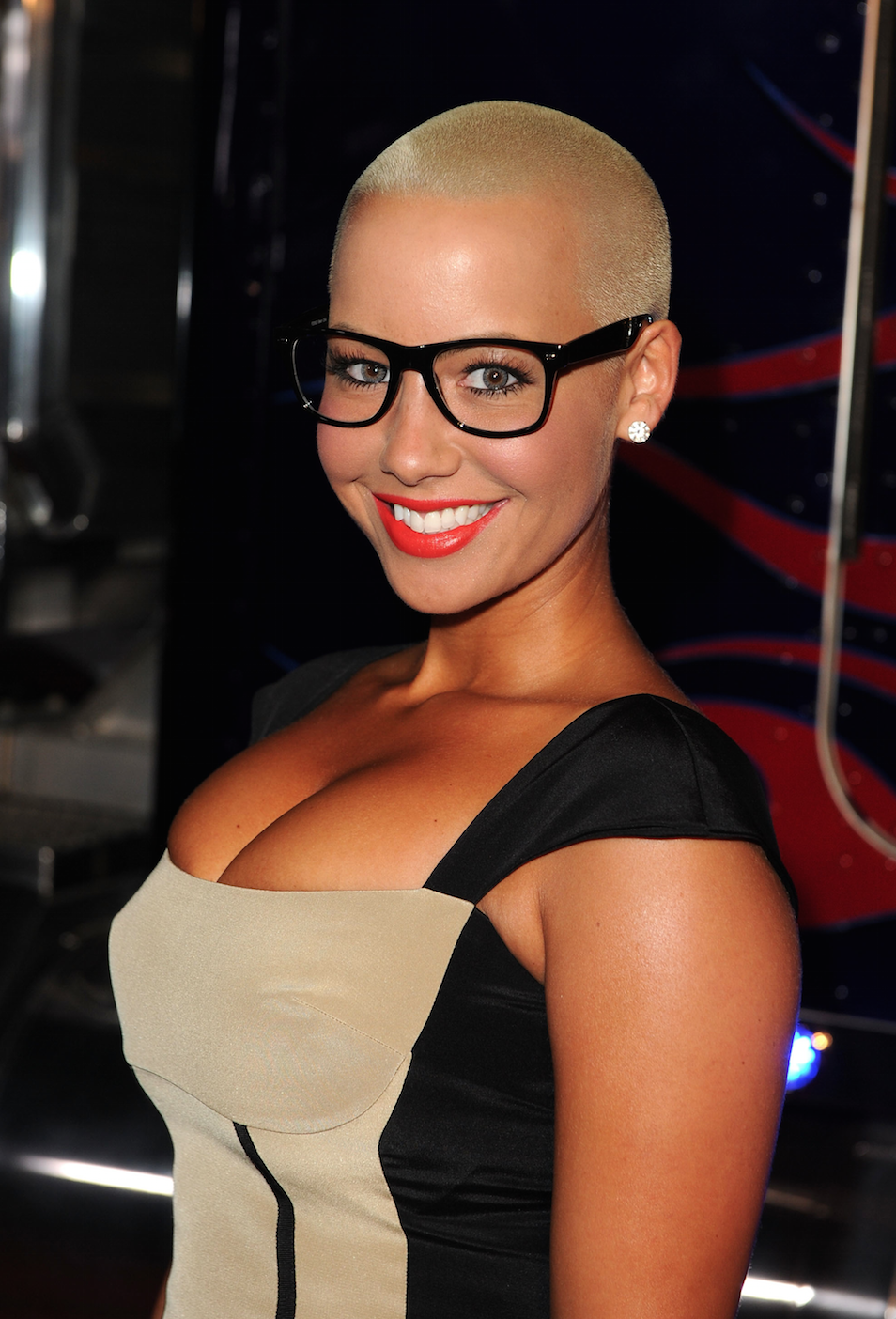 Amber Rose buzz cut frisuren 2018