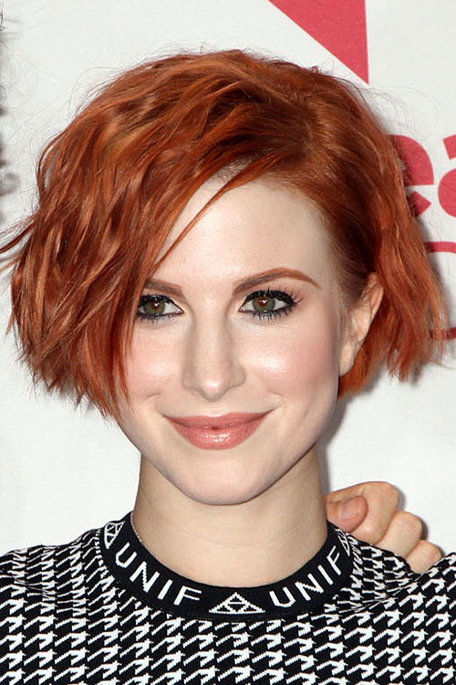 Hayley Williams kurze rote Bob-Farbe