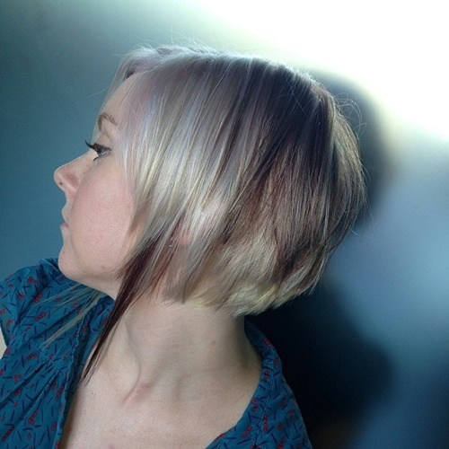 Gefiederte Blonde Bob