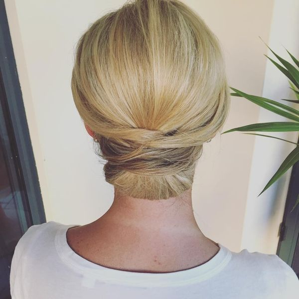 Eleganter, blonder Chignon