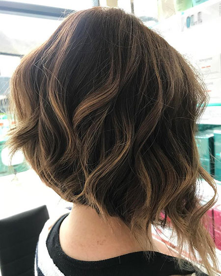 Brunette Hair, Welliges Bob Hair Balayage