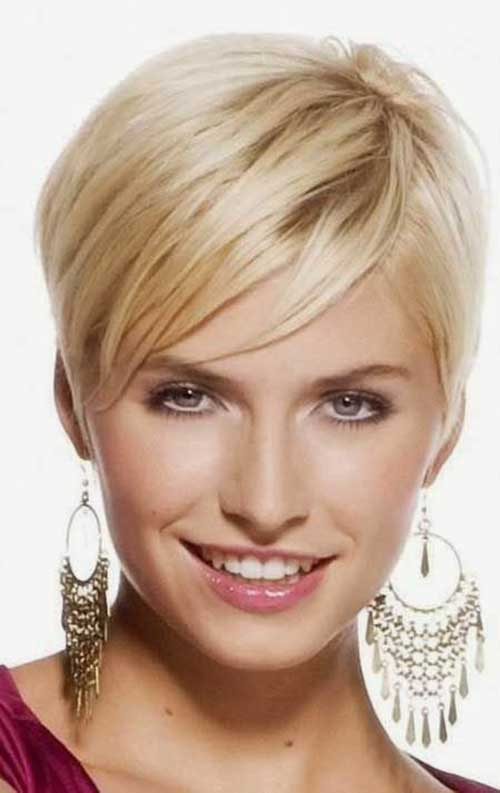 Straight Blonde Pixie Frisuren