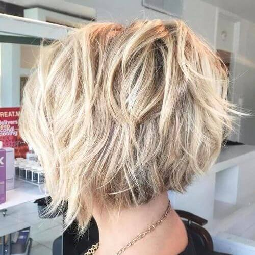 blonde Medium Bob Haarschnitt