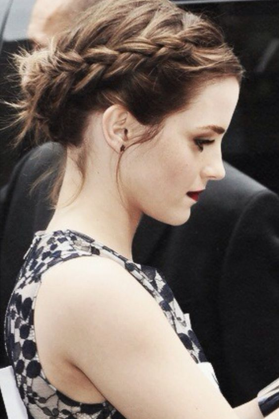 Emma Watson Crown Braid über