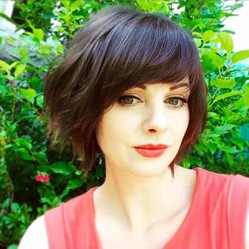 Bob Frisuren mit Side Bangs-6