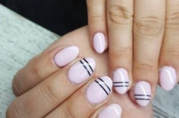 Sehen Sie sich unter https://naildesigns.com/nails-design-trends/