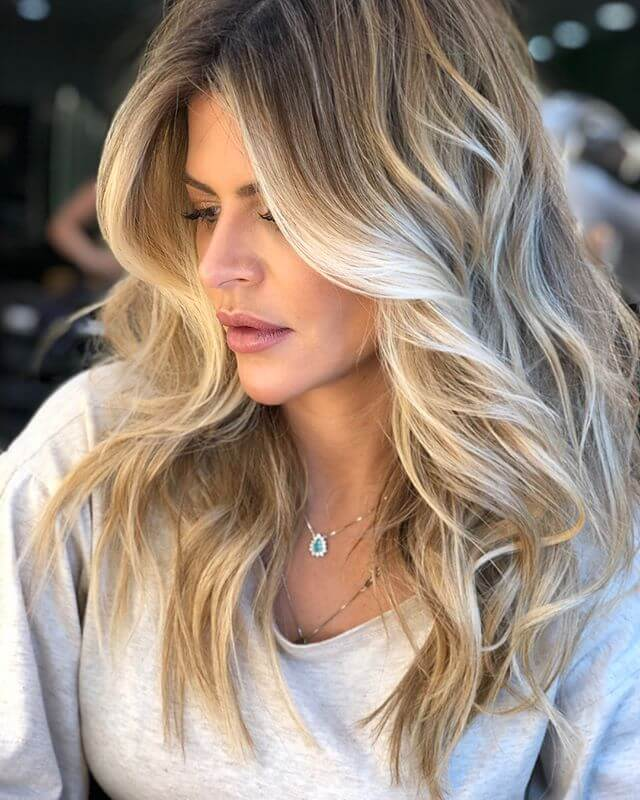 Frosty Blonde Strukturierte Balayage Haar Highlights