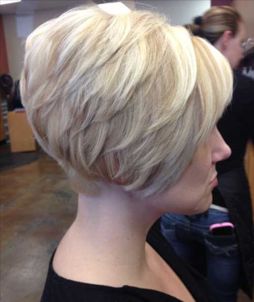 "Short Stacked Bob""title=""Short Stacked Bob Stil""><div class="