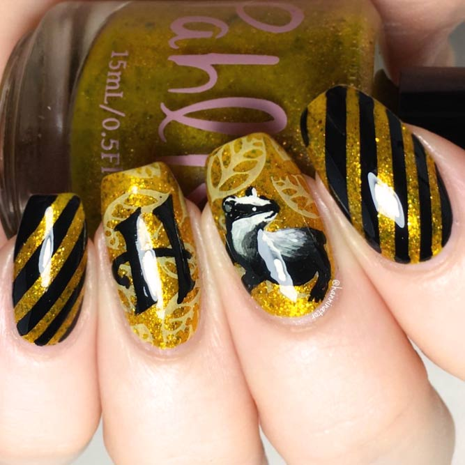 Harry Potter Fan Art Nägel Hufflepuff Maniküre #squoval #hufflepuffnails #yellownails