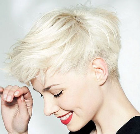Short Pixie Blonde Frauen
