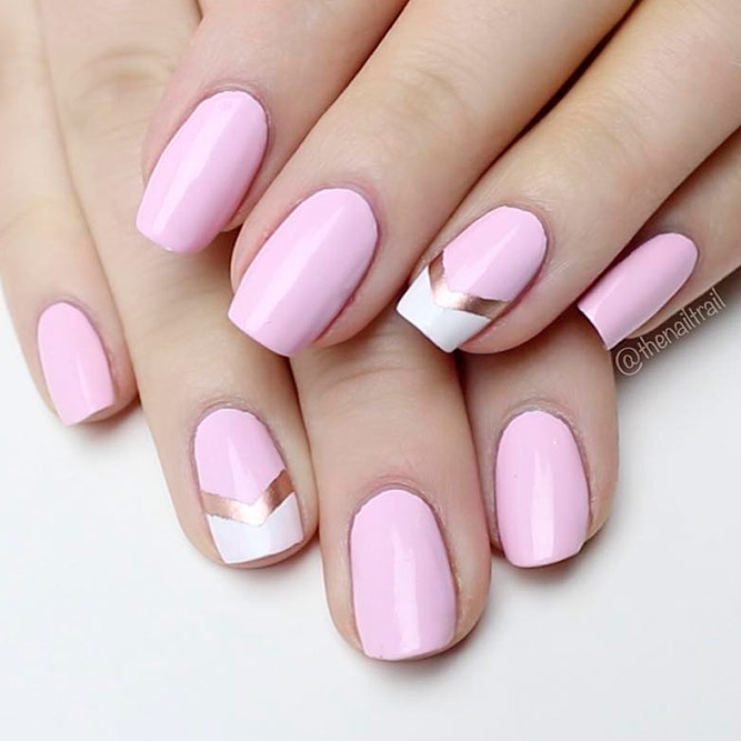 Elegante Chevron French Nails Bild 1