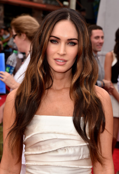 Megan Fox lange lockige Frisur