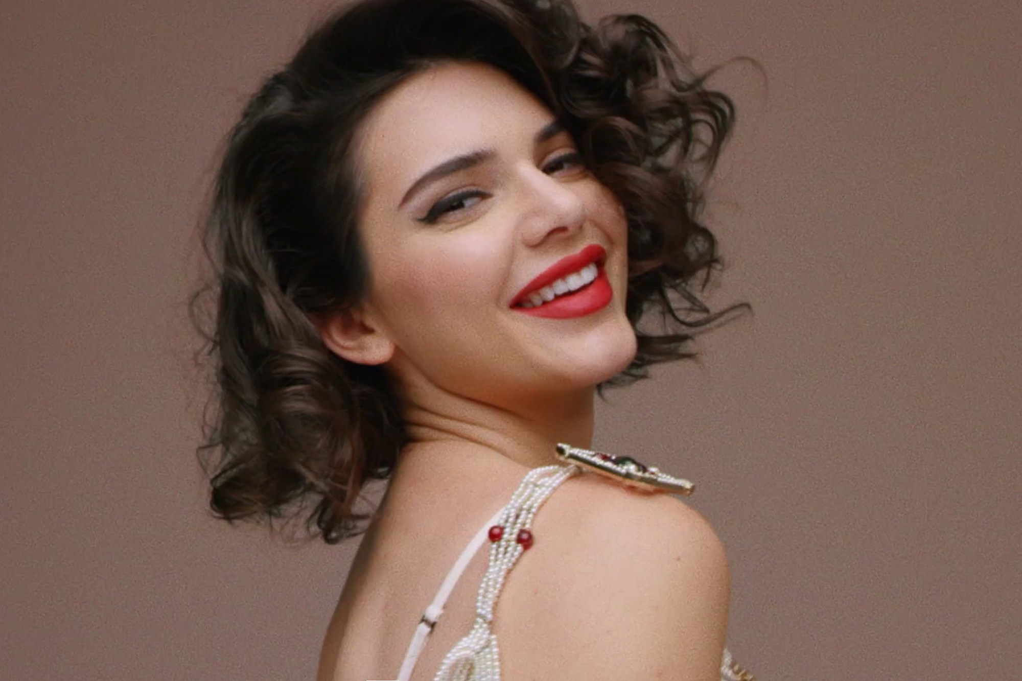 Kendall Jenner Marylin Monroe Locken Trends 2017 Herbst Winter 2018