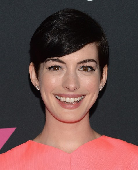 Anne Hathaway Short Hairstyle - Cute Side Parted Black Haircut for 2014