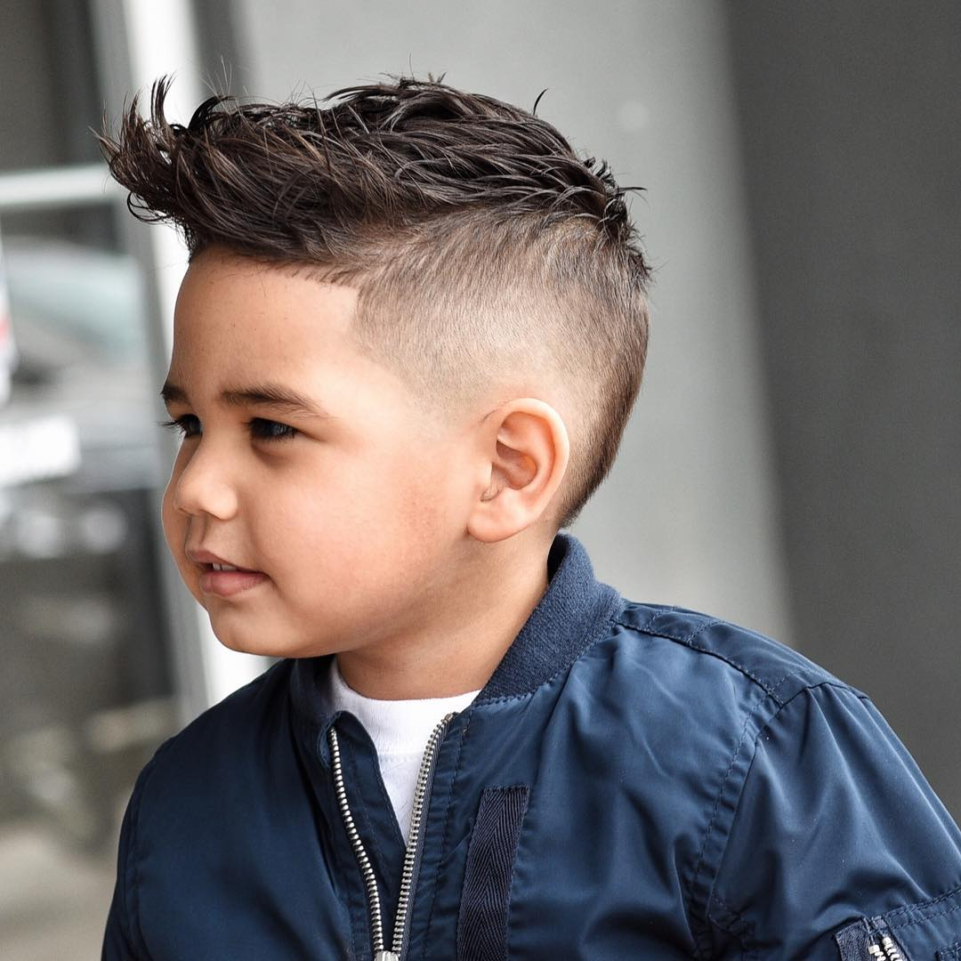 2. Textured Spiky Hair mit Undercut