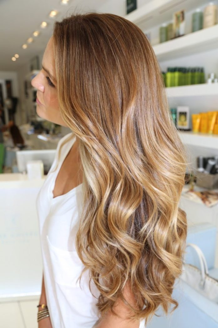 Soft Caramel Highlight auf Blond