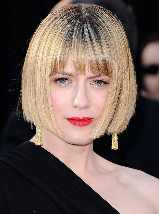 Straight Bob mit Blunt Bangs